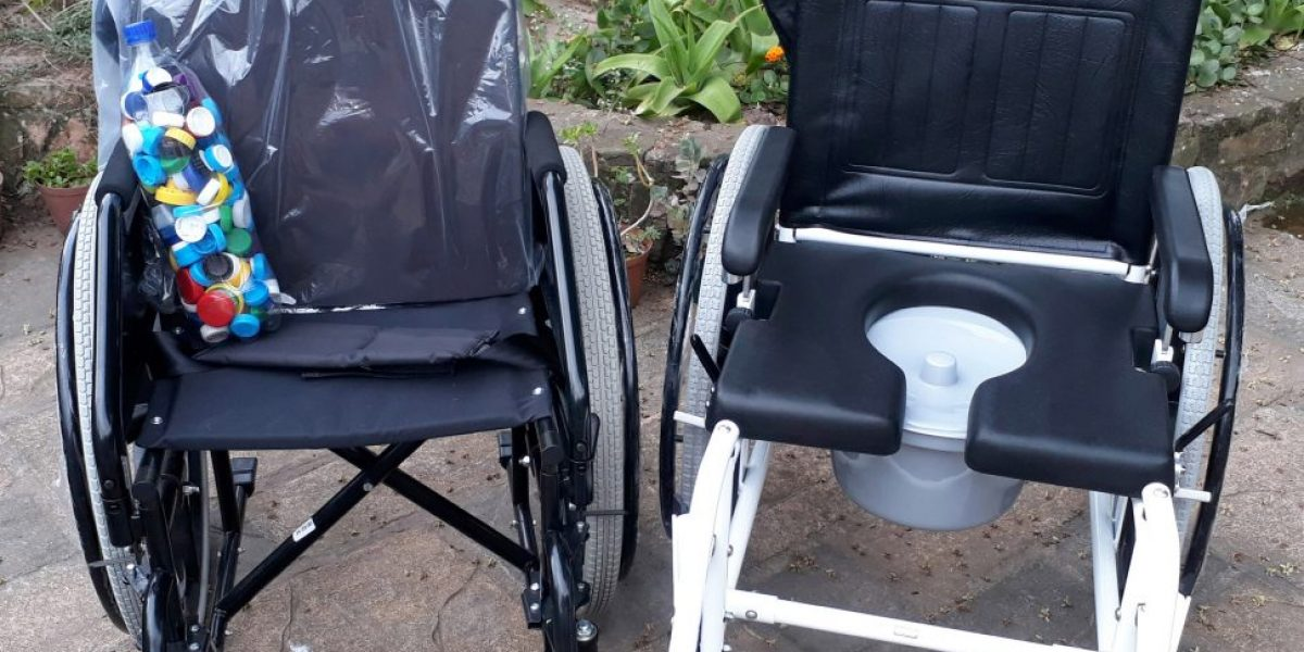 Wheelchair-Commode(4)